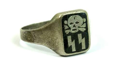 SS ring with totenkopf