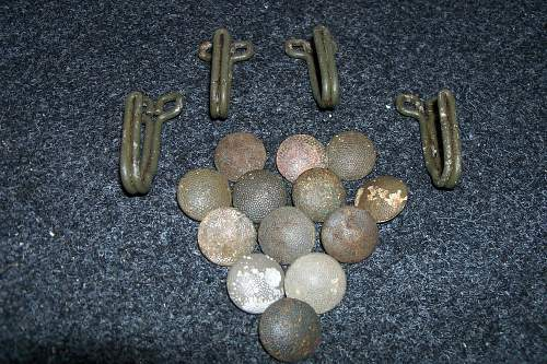 german pebbled buttons
