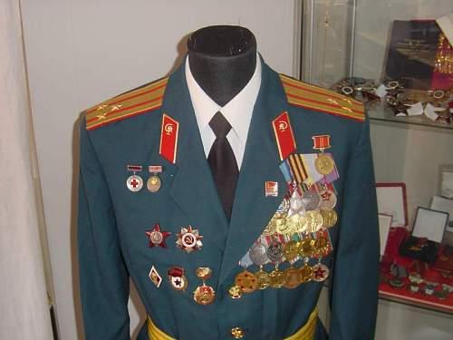 Click image for larger version.  Name:M69 Medical Colonel Parade Uniform Latvian 2.jpg Views:1932 Size:42.8 KB ID:13483