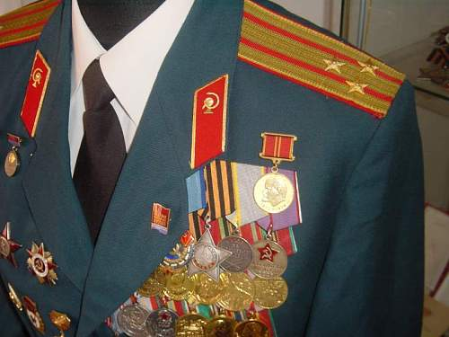 Click image for larger version.  Name:M69 Medical Colonel Parade Uniform Latvian 5.jpg Views:1029 Size:51.4 KB ID:13486