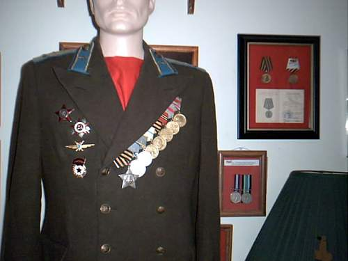 Click image for larger version.  Name:Soviet M1949 Air Force uniform 003.jpg Views:2679 Size:44.7 KB ID:3341
