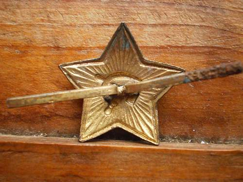 Red star pilotka badge