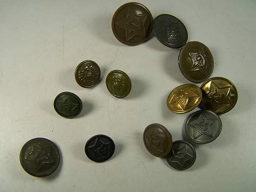 Click image for larger version.  Name:soviet buttons 002.jpg Views:311 Size:33.2 KB ID:57648