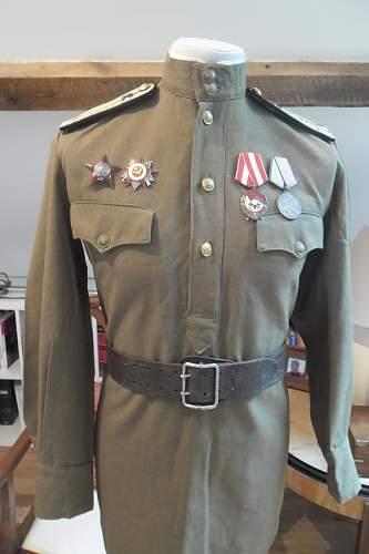 The M-43 Officer's Gymnasterka of Captain Reznichenko