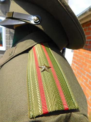 Click image for larger version.  Name:Sov service dress shoulderboard detail.1.jpg Views:13 Size:185.3 KB ID:974743