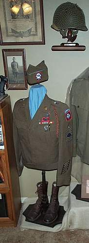 US 17th and 82nd Airborne Ike Jacket, Hat and Boots