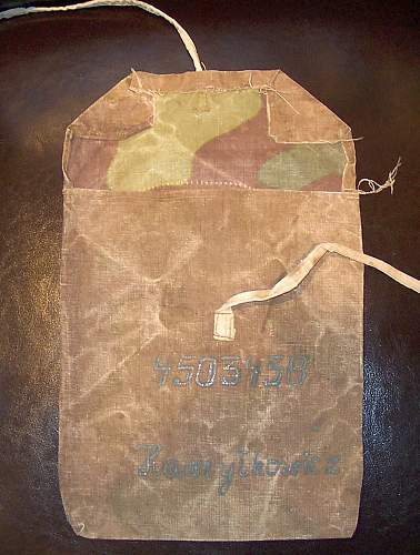 Click image for larger version.  Name:Hawrylkowicz pouch 004.jpg Views:92 Size:157.3 KB ID:162393