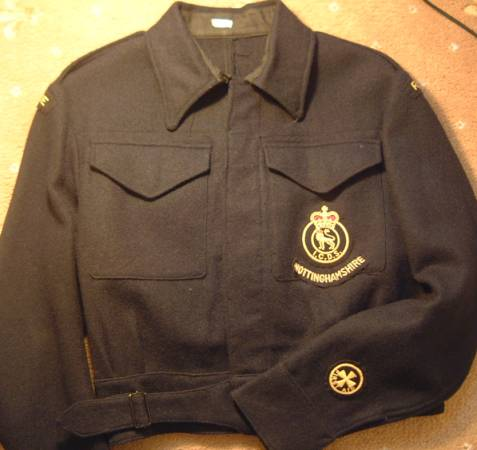 Can someone help me identify this tunic