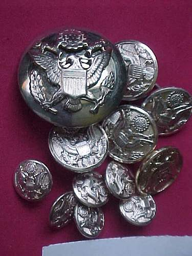 Info on silver colored  U.S. Army buttons
