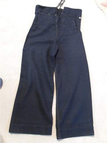 Help to identify an old Navy uniform