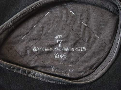 Click image for larger version.  Name:Black Royal Armoured Corps berets 006.jpg Views:826 Size:258.6 KB ID:290553
