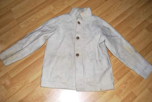 Help identifying possible WW2 naval coat