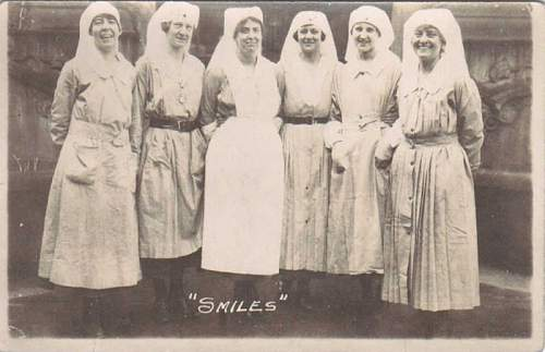 Click image for larger version.  Name:WWI American Army Nurses in France.jpg Views:7410 Size:32.9 KB ID:487649