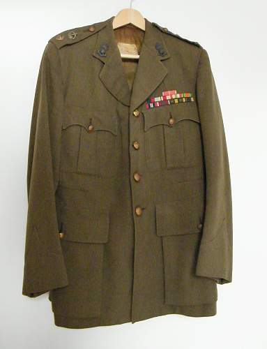 Click image for larger version.  Name:Ra Lt Col SD tunic.jpg Views:139 Size:173.6 KB ID:510723