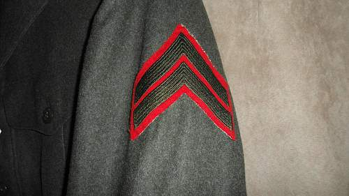 Need help to date USMC corporal patches on coat
