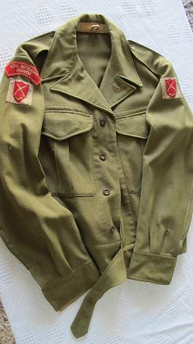 Korean war battle dress grouping to an australian in the canadian army