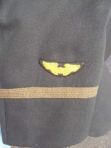 Ww2 u.s officers jacket with english made patches ??