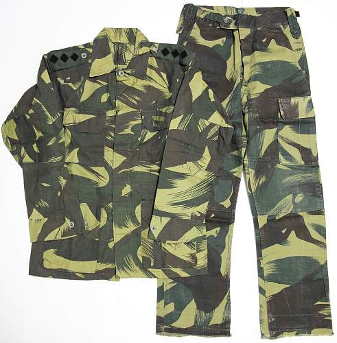 Click image for larger version.  Name:malaysian_brushstroke_uniform.jpg Views:533 Size:112.9 KB ID:555142
