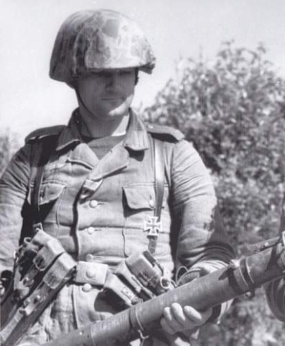 Intersting Photo : Captured SS Soldat wearing U.S. Army Jungle Camo Coverall