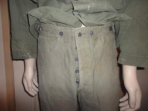US WWII utility uniform - but what are these trousers?