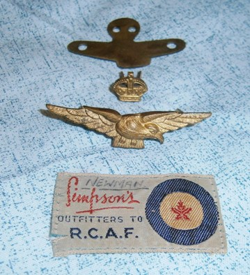 Canadian-made, padded Pilot Wings badge