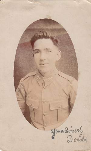 Help with nationality and unit of soldier