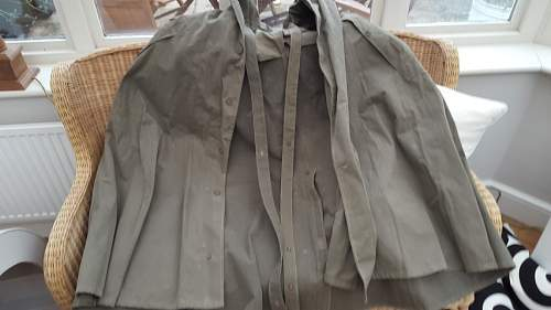 Help Identifying a Poncho, Possible WW2. Came in with AIF items.