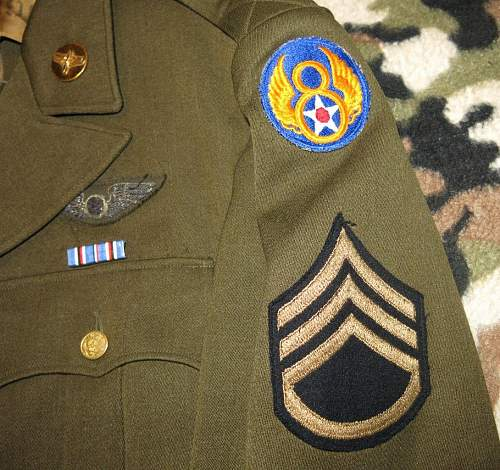 US 8th AAF SSGT's service tunic with bullion aircrew wings