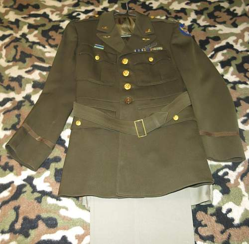 USAAF WW2 Captain's 8th Army Air Force Bombardier's dark green service tunic