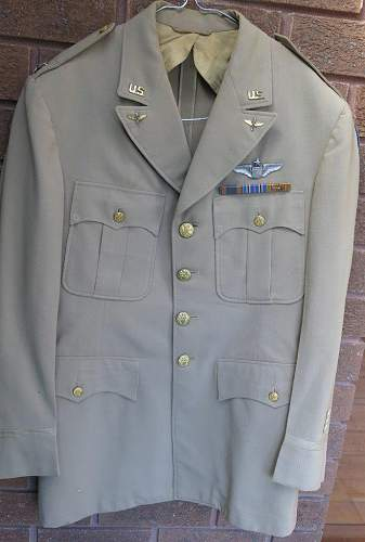 Click image for larger version.  Name:USAAF WW2 tunics 012.jpg Views:45 Size:84.2 KB ID:874145