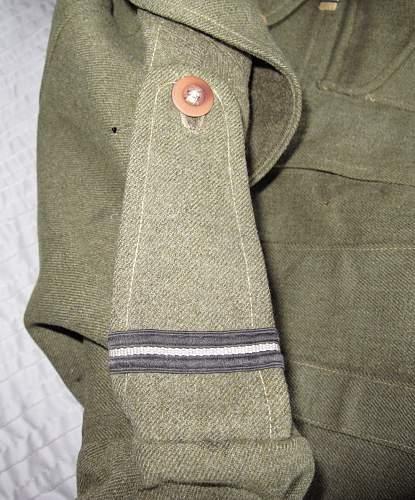 Click image for larger version.  Name:BD_RAF_Pilot_Officer_Epaulette_1.jpg Views:92 Size:162.5 KB ID:896165