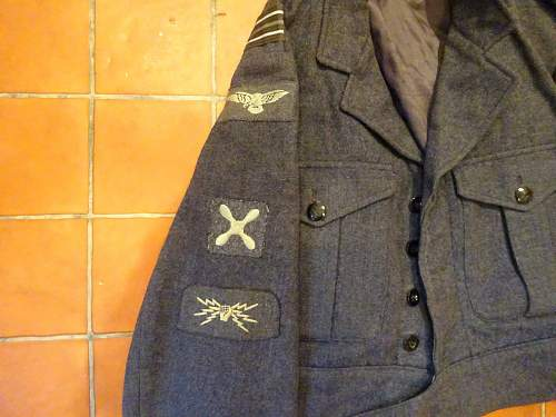 Click image for larger version.  Name:RAF Tunic 2.jpg Views:63 Size:188.6 KB ID:954190