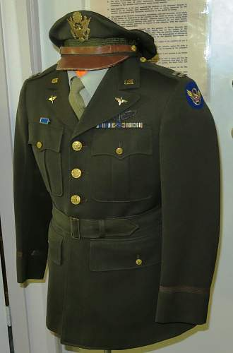 Click image for larger version.  Name:US 8th AAF Captain's jacket 005.jpg Views:93 Size:184.6 KB ID:962610