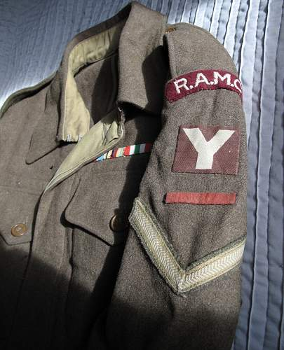 Click image for larger version.  Name:BD_RAMC_5_Div_Insignia_2.jpg Views:19 Size:155.2 KB ID:974384