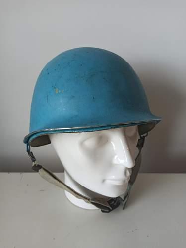 Identify US/ Canadian M1 helmet United Nations