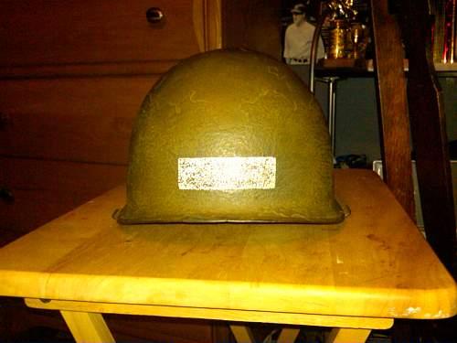 NEED HELP rear seem m1 paratrooper helmet?