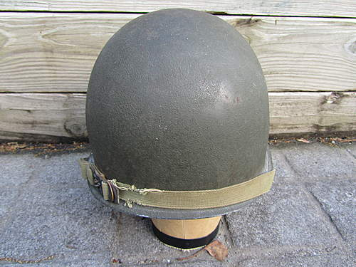 Can someone identify this chinstrap on my ww2 m1 helmet ??