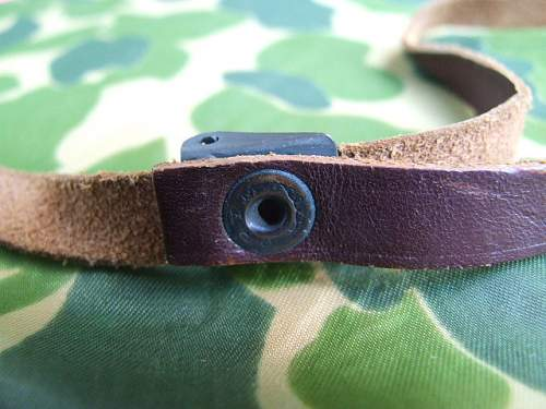 M1 liner chinstrap made by 'Prym'..