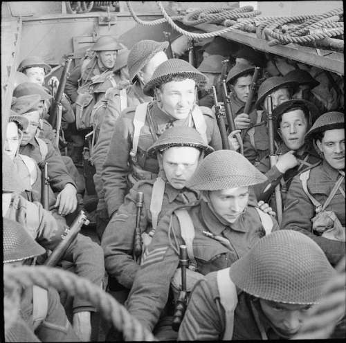 Click image for larger version.  Name:commandos-april-1942.jpg Views:76 Size:189.8 KB ID:624048