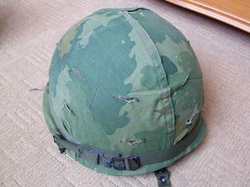 US M1-C Vietnam era Para helmet.