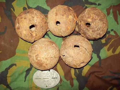 English wick gunpowder grenade, standard 1750 years .
