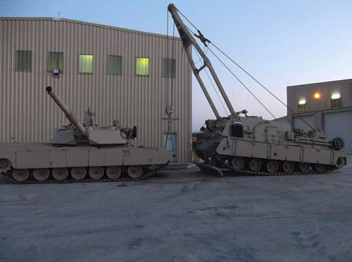 how to lift an M1A1 tank