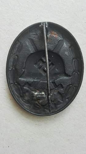 Verwundetenabzeichen 1939 in Schwarz. Maker mark?