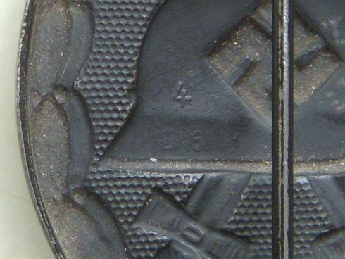 Verwundetenabzeichen in schwarzen.