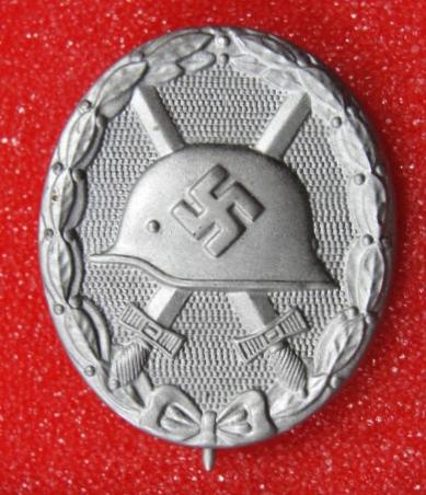 Verwundetenabzeichen Marked 81: Factory Conversion to Silber?