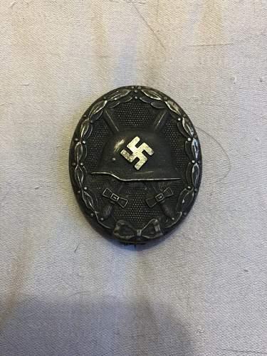 Verwundetenabzeichen in Schwarz maker mark 65 authenticity?