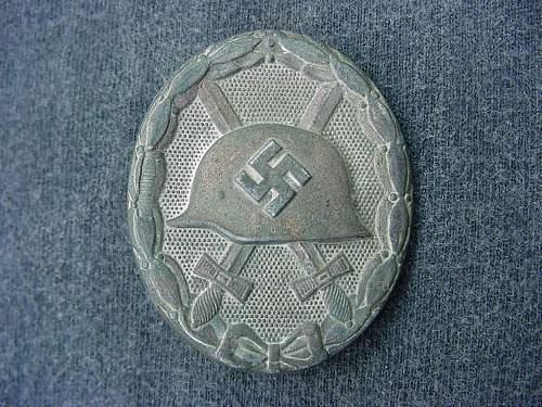 """Verwundetenabzeichen 1939 in Silber- """"L/11″ Deumer."""