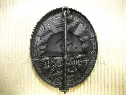 Verwundetenabzeichen, black, maker marked 81