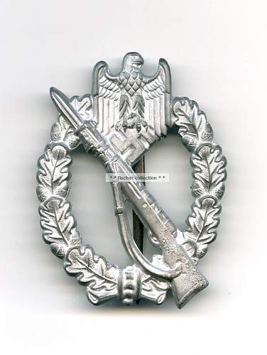 wound badge and infantry assault badge