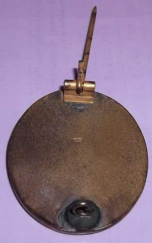 L/58 VerwundetenAbzeichen (Gold) - authentic?